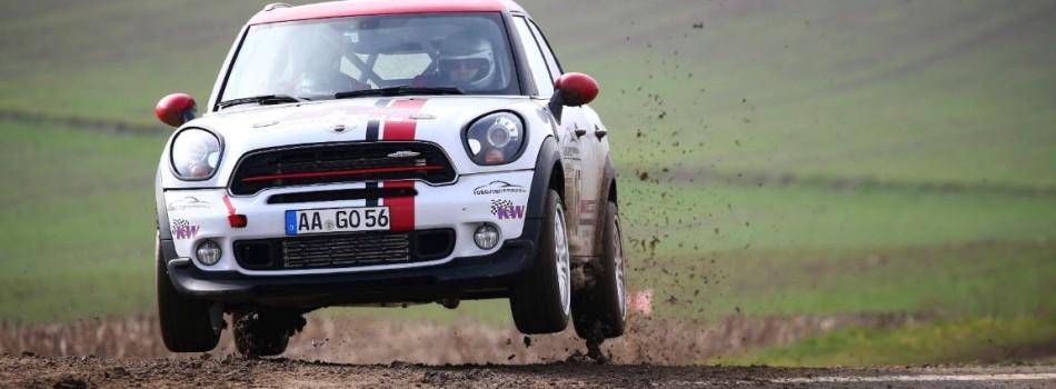 Alexander Ebert vom Racing Team Mögglingen e.V. überzeugt bei erstem Rallye Start 2016